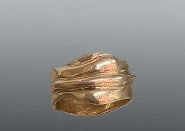 Wave collection ring in 18ky gold